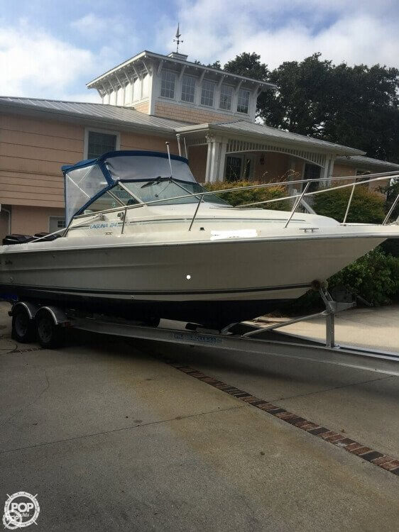 1993 Sea Ray boat for sale, model of the boat is Laguna 24 & Image # 3 of 41