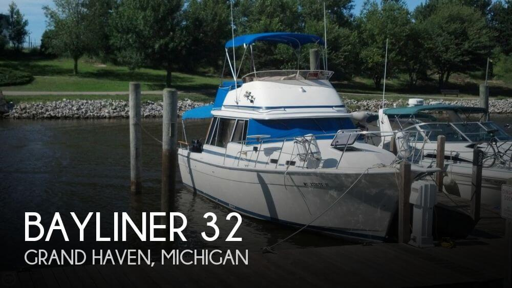 Used Boats For Sale in Grand Rapids, Michigan by owner | 1985 Bayliner 32