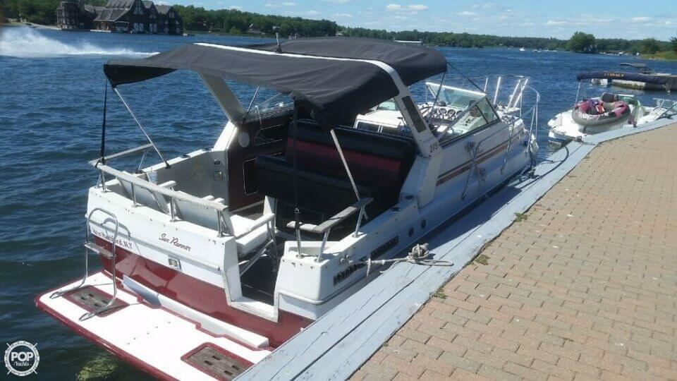 1986 Sun Runner boat for sale, model of the boat is 275 SB & Image # 5 of 11
