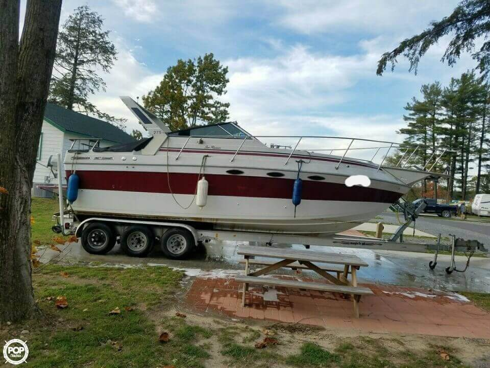 1986 Sun Runner boat for sale, model of the boat is 275 SB & Image # 3 of 11