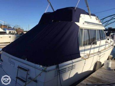 Bayliner 32, 32', for sale - $15,000