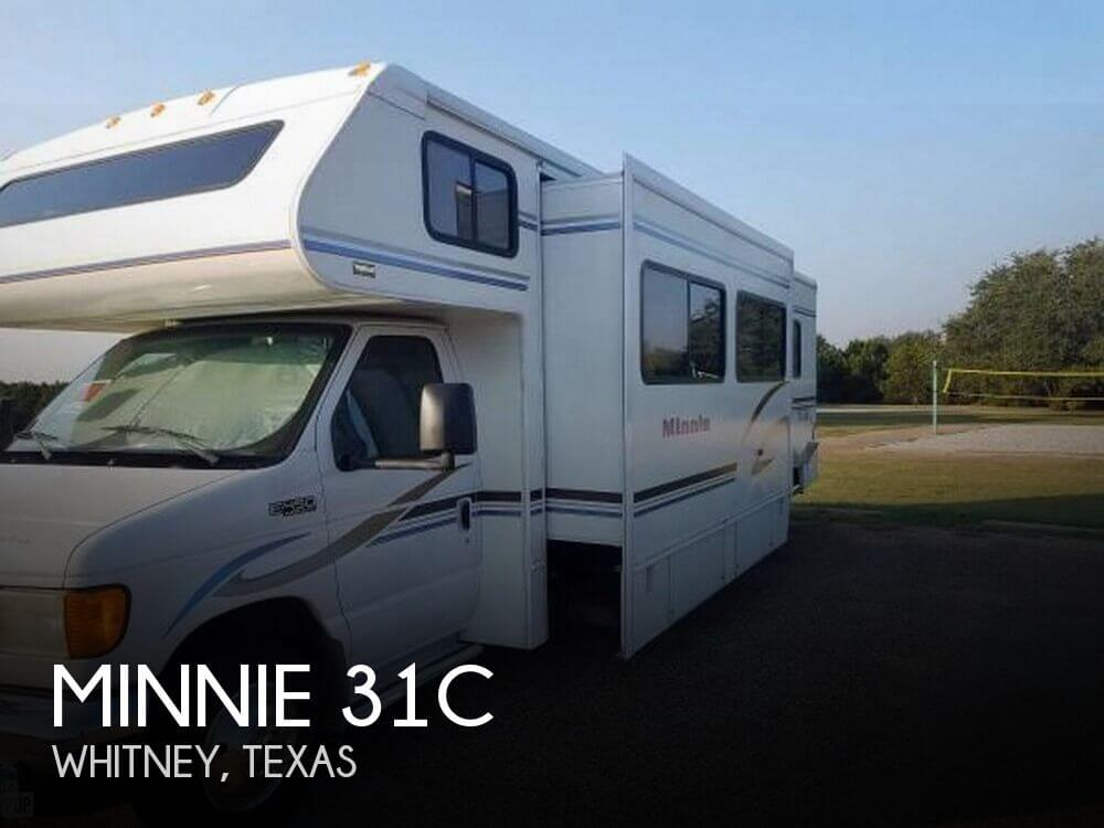 2004 Winnebago Minnie 31C