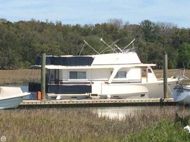 Pearson 43 Motoryacht, 43', for sale - $18,500