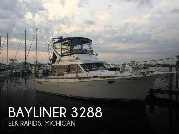 Used Motoryachts For Sale in Michigan by owner | 1989 Bayliner 32