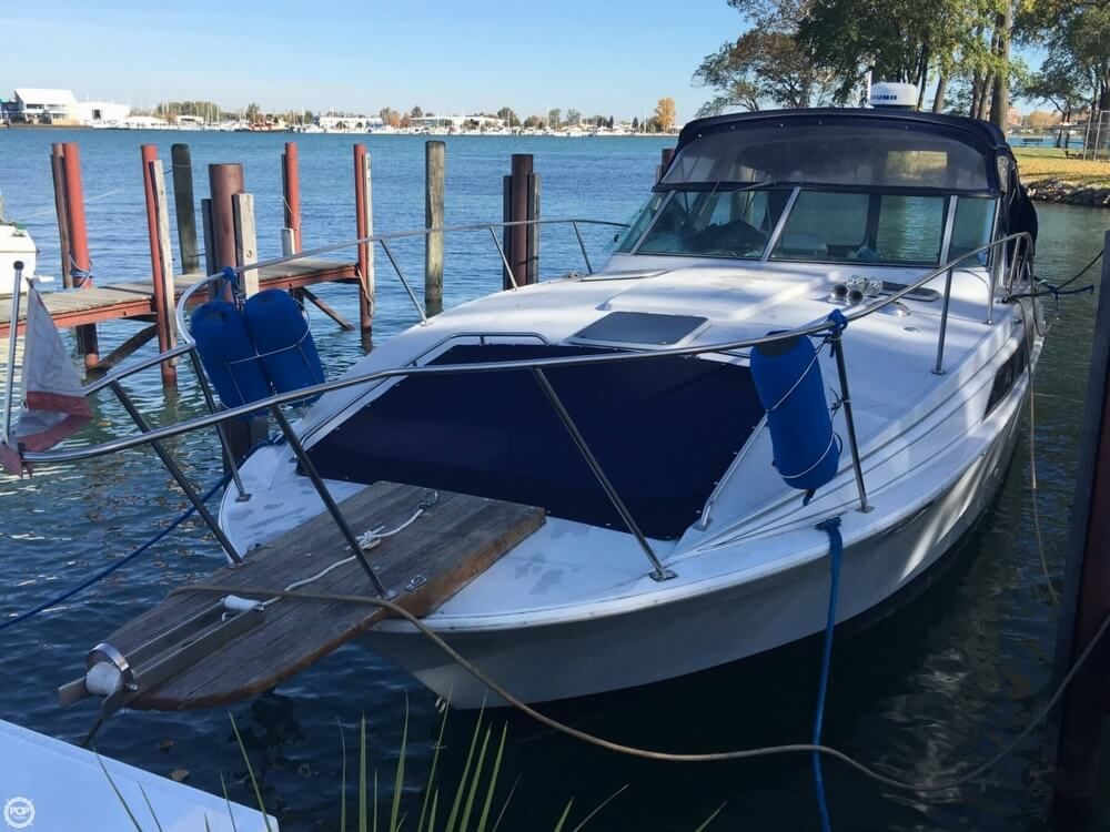 1988 Larson boat for sale, model of the boat is Contempra DC-300 & Image # 2 of 40