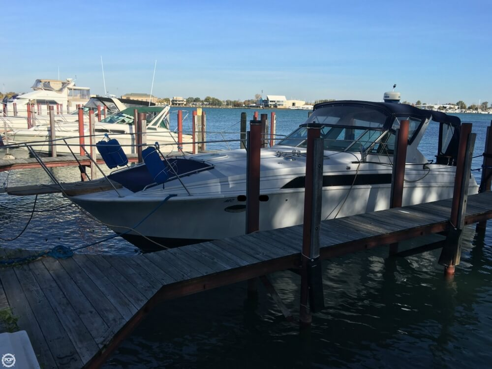 1988 Larson boat for sale, model of the boat is Contempra DC-300 & Image # 28 of 40