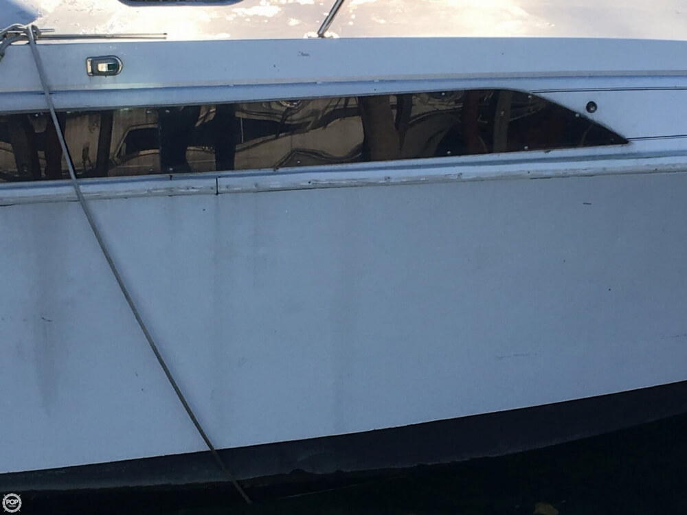 1988 Larson boat for sale, model of the boat is Contempra DC-300 & Image # 31 of 40