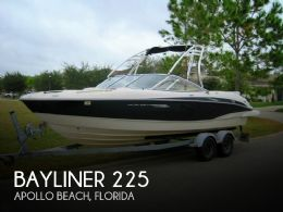 2009 Bayliner 225 BR Flight Series F22