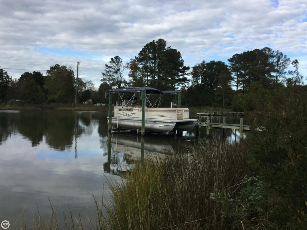 2008 Starcraft boat for sale, model of the boat is Legacy 240 & Image # 3 of 40
