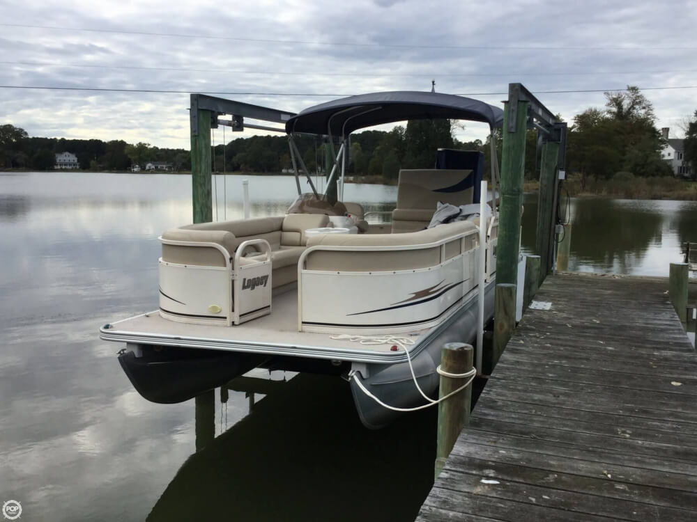 2008 Starcraft boat for sale, model of the boat is Legacy 240 & Image # 12 of 40