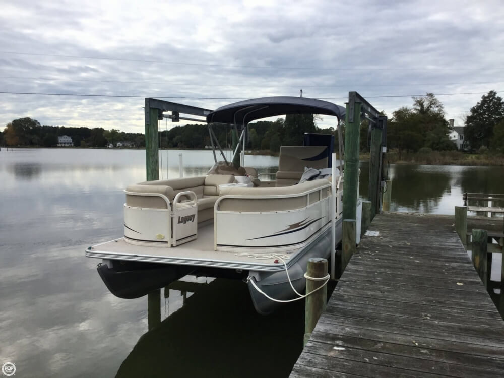 2008 Starcraft boat for sale, model of the boat is Legacy 240 & Image # 14 of 40