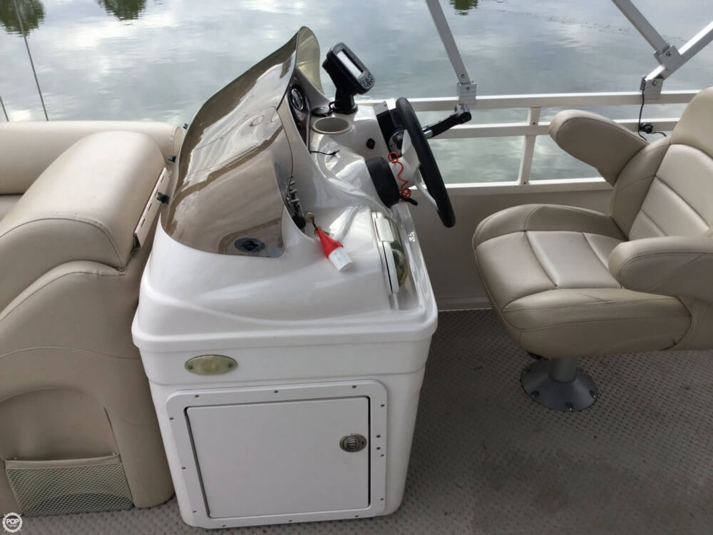 2008 Starcraft boat for sale, model of the boat is Legacy 240 & Image # 19 of 40