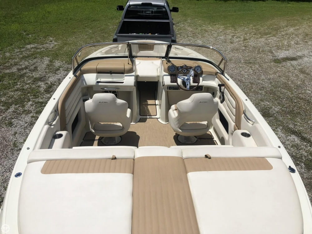 2013 Larson boat for sale, model of the boat is All American 23 & Image # 11 of 14