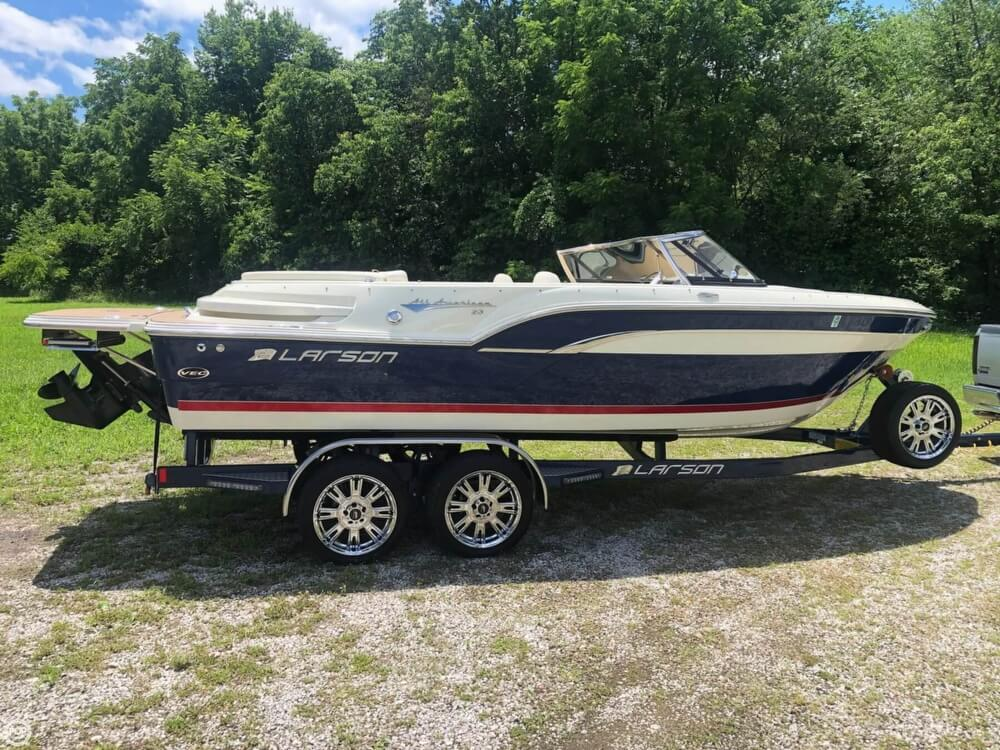 2013 Larson boat for sale, model of the boat is All American 23 & Image # 13 of 14