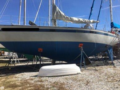 Pearson 40, 39', for sale - $38,000