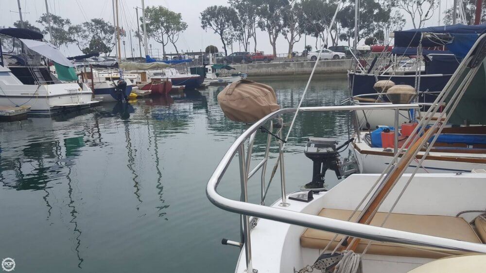 1976 Cal Jensen boat for sale, model of the boat is 27 & Image # 12 of 40