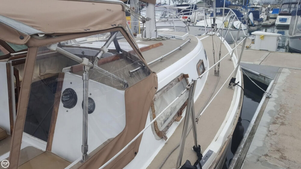 1976 Cal Jensen boat for sale, model of the boat is 27 & Image # 16 of 40