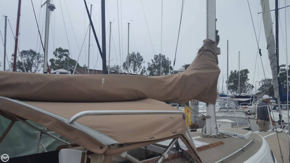 1976 Cal Jensen boat for sale, model of the boat is 27 & Image # 10 of 40