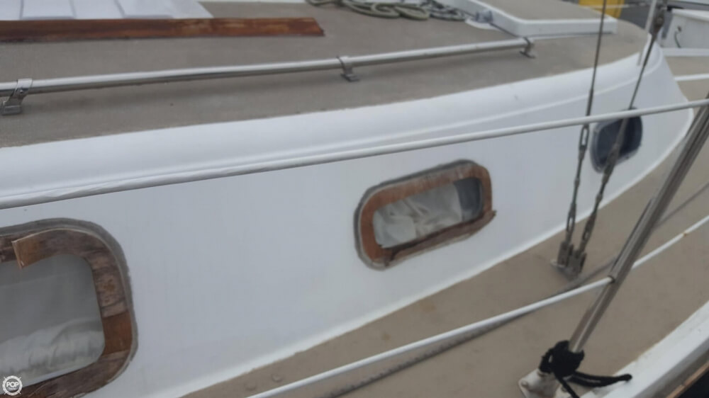 1976 Cal Jensen boat for sale, model of the boat is 27 & Image # 19 of 40