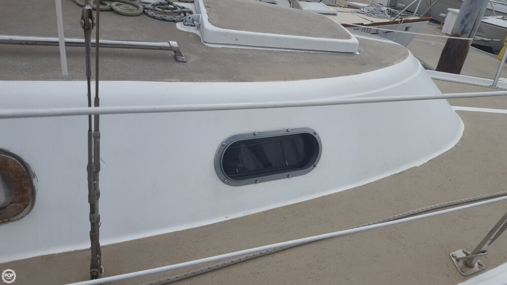 1976 Cal Jensen boat for sale, model of the boat is 27 & Image # 20 of 40