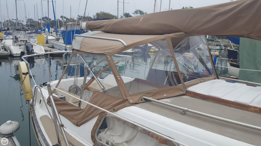 1976 Cal Jensen boat for sale, model of the boat is 27 & Image # 6 of 40