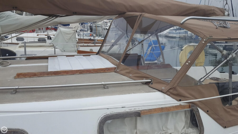1976 Cal Jensen boat for sale, model of the boat is 27 & Image # 27 of 40