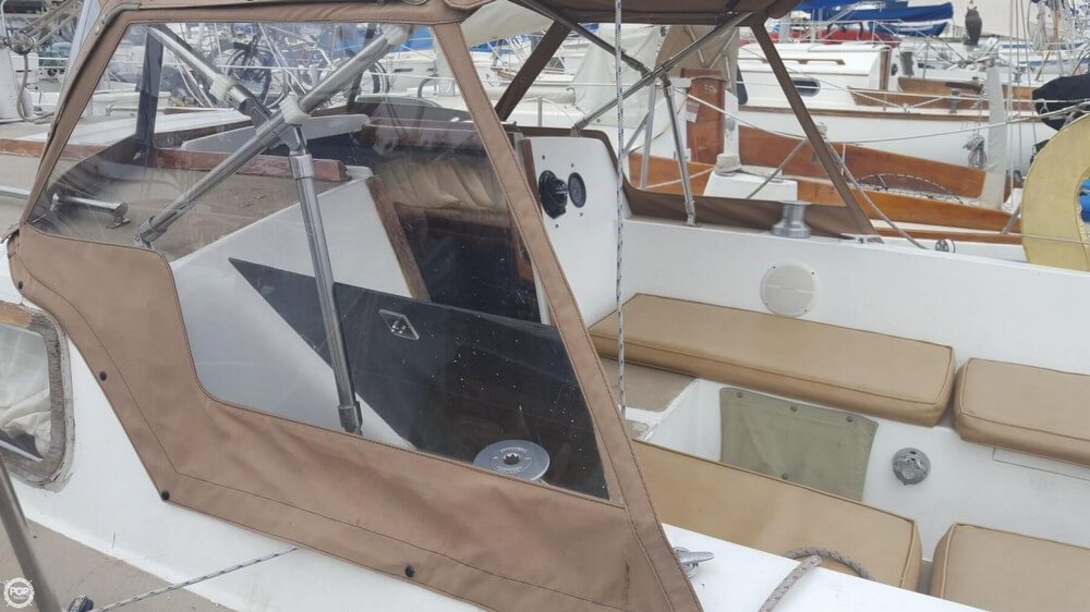 1976 Cal Jensen boat for sale, model of the boat is 27 & Image # 29 of 40
