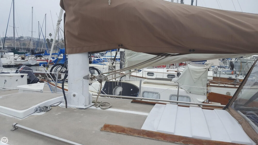 1976 Cal Jensen boat for sale, model of the boat is 27 & Image # 31 of 40