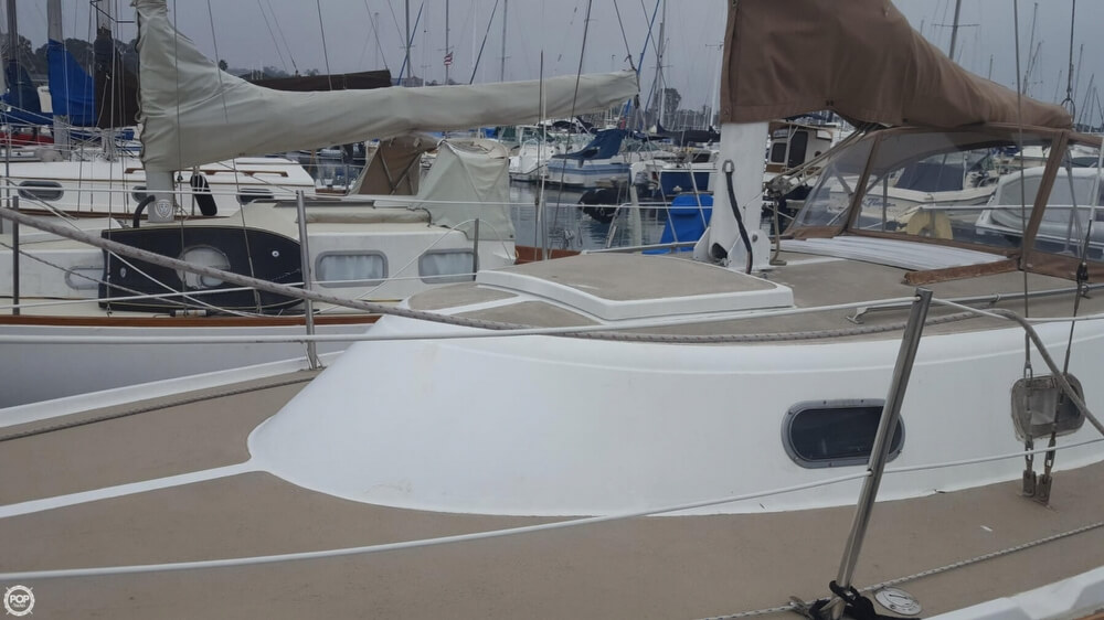 1976 Cal Jensen boat for sale, model of the boat is 27 & Image # 35 of 40