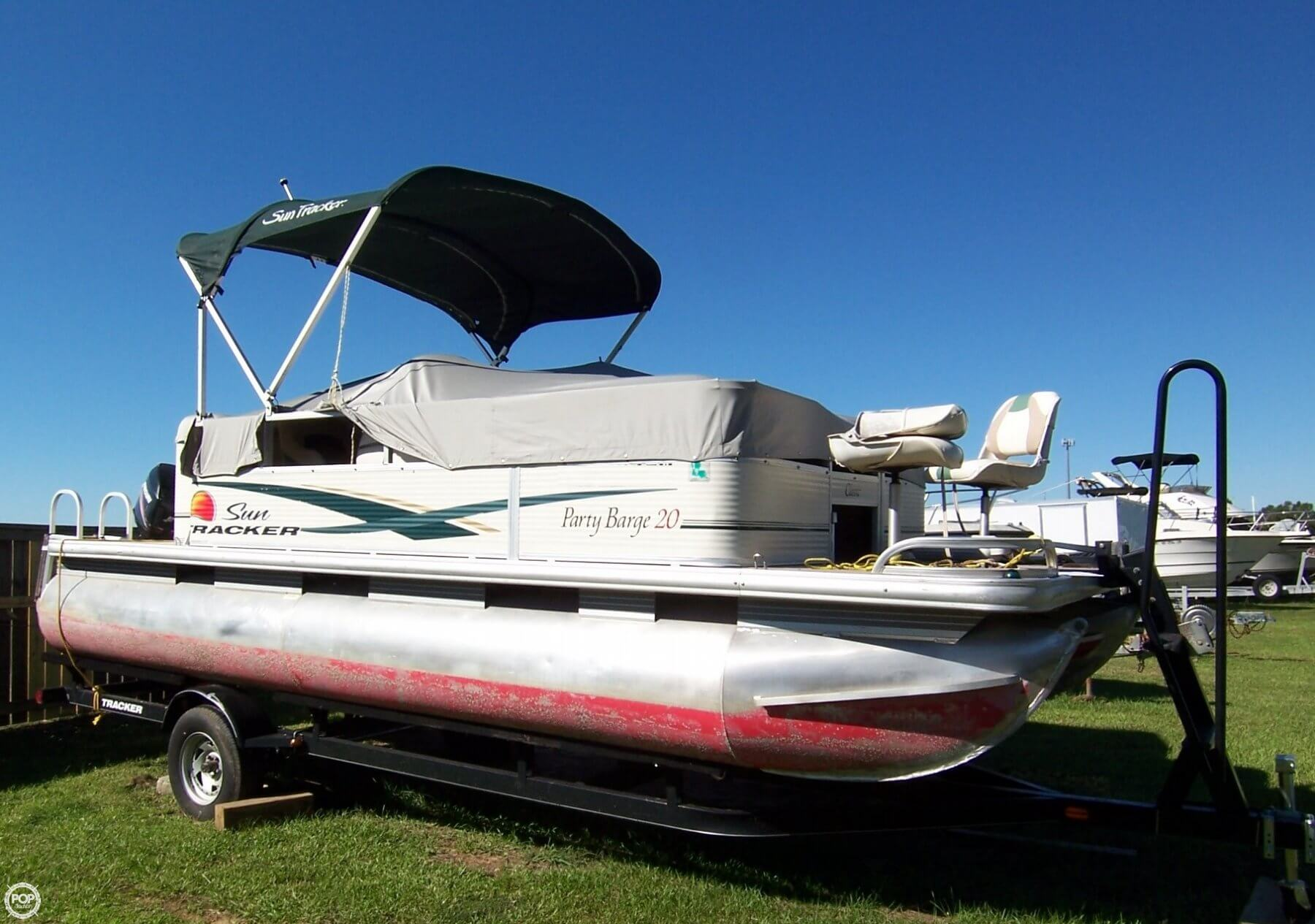 Sun Tracker Pontoon Boats >> Party Barge 20 Classic