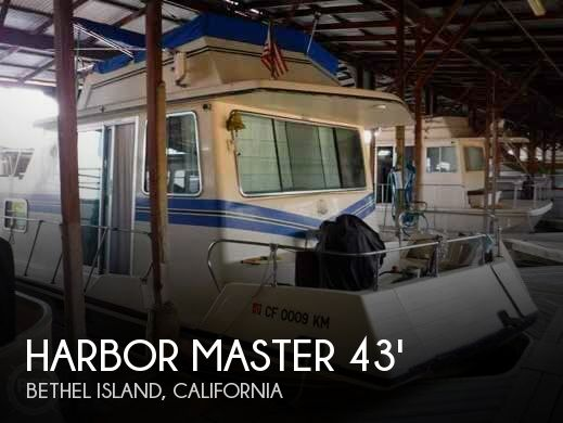 Used Houseboats For Sale in California by owner | 1990 Harbor Master 43
