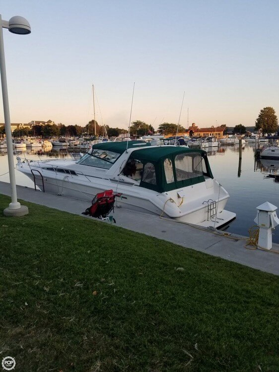 1990 Sea Ray boat for sale, model of the boat is 420 Sundancer & Image # 3 of 31