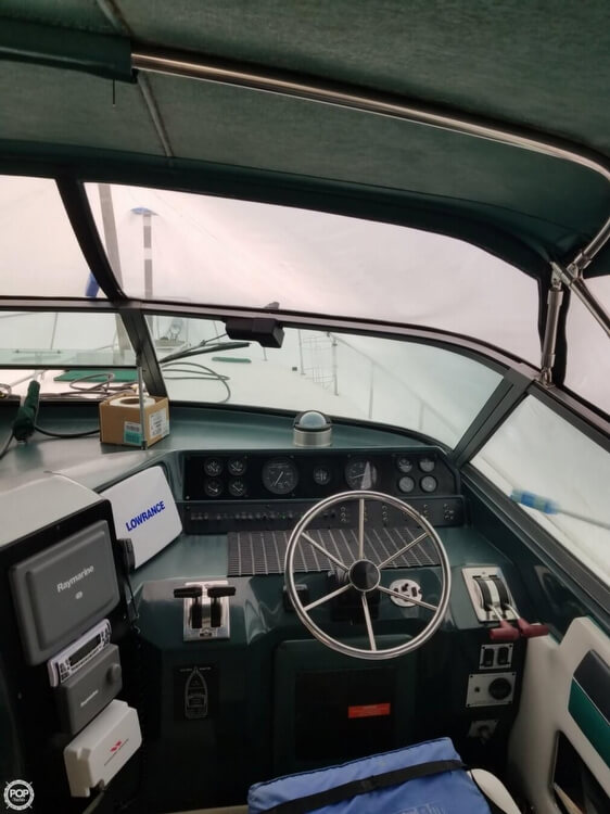 1990 Sea Ray boat for sale, model of the boat is 420 Sundancer & Image # 24 of 31
