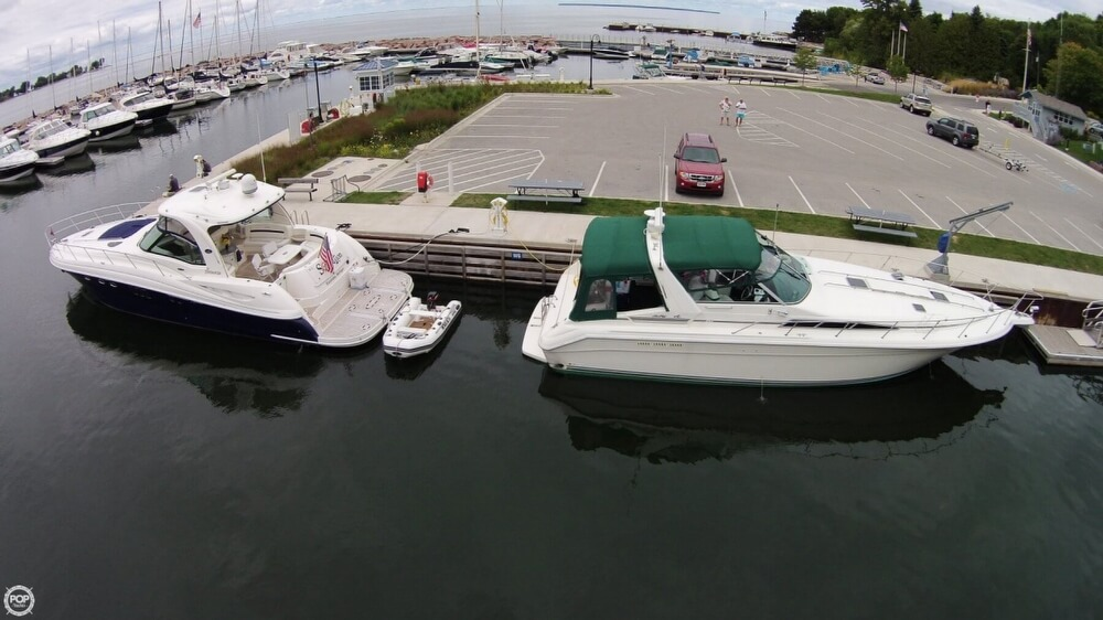 1990 Sea Ray boat for sale, model of the boat is 420 Sundancer & Image # 2 of 40