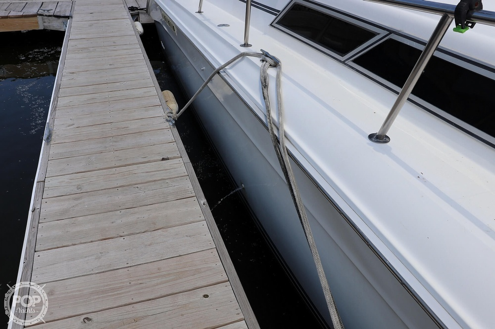 1990 Sea Ray boat for sale, model of the boat is 420 Sundancer & Image # 27 of 40