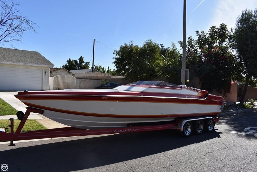 1988 Hallett boat for sale, model of the boat is 270-T & Image # 2 of 40