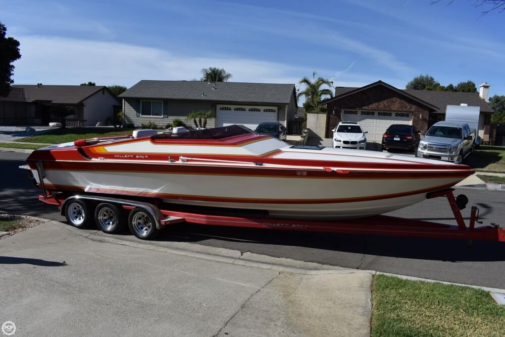 1988 Hallett boat for sale, model of the boat is 270-T & Image # 3 of 40