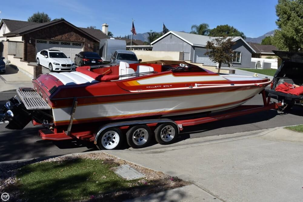 1988 Hallett boat for sale, model of the boat is 270-T & Image # 6 of 40