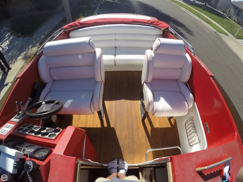 1988 Hallett boat for sale, model of the boat is 270-T & Image # 9 of 40