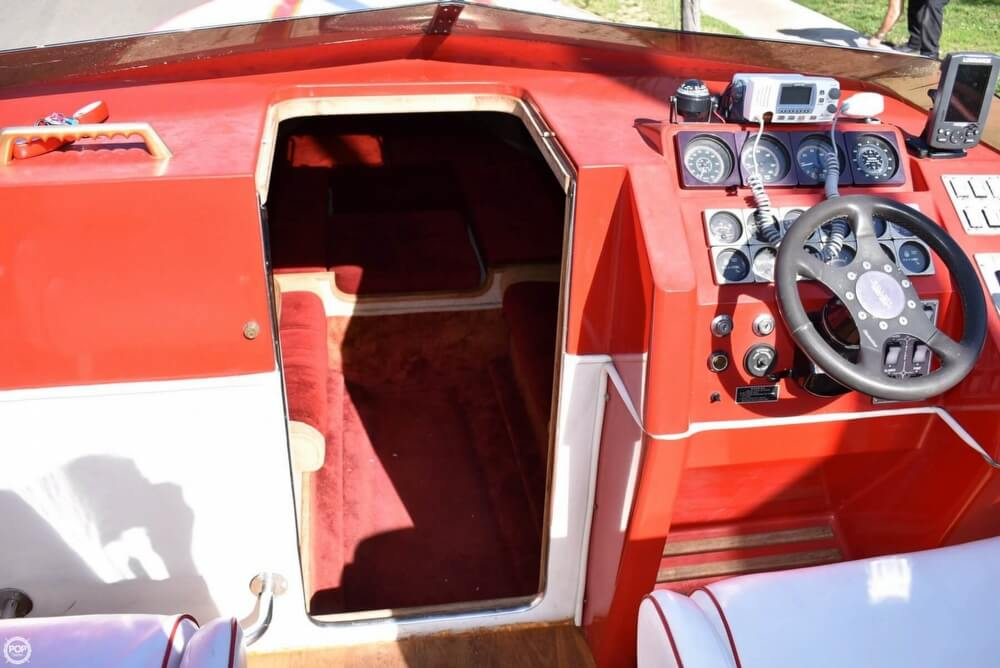 1988 Hallett boat for sale, model of the boat is 270-T & Image # 10 of 40