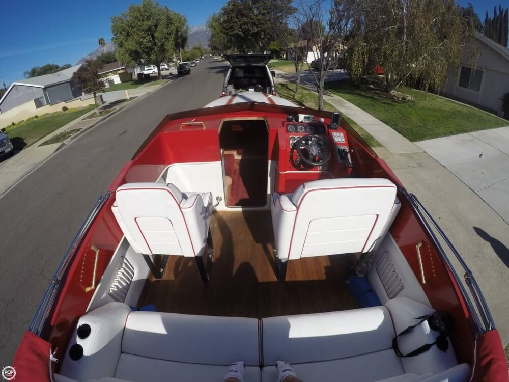 1988 Hallett boat for sale, model of the boat is 270-T & Image # 15 of 40