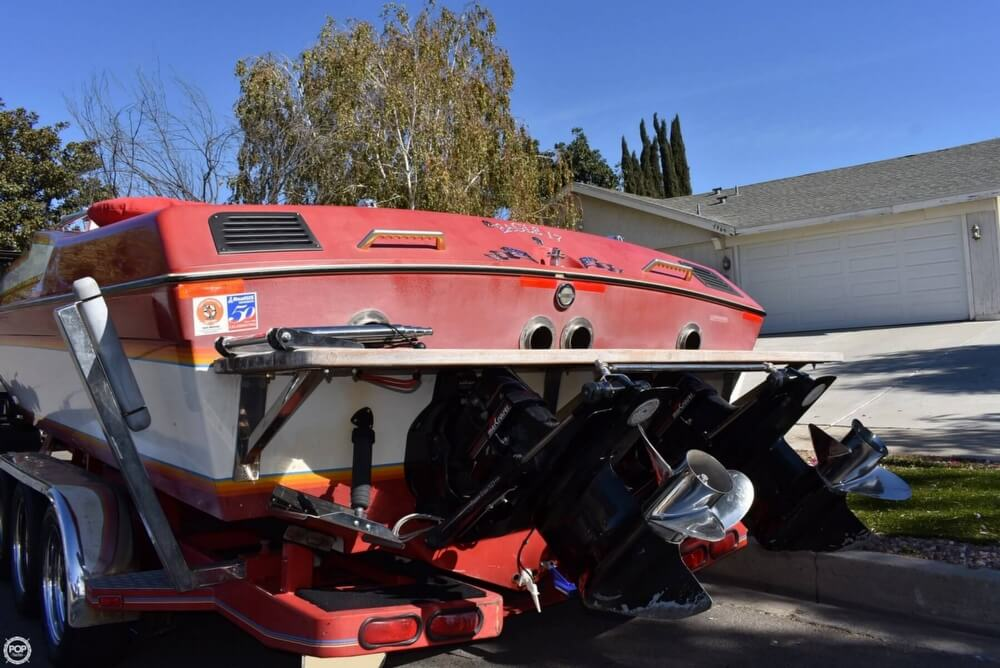 1988 Hallett boat for sale, model of the boat is 270-T & Image # 23 of 40