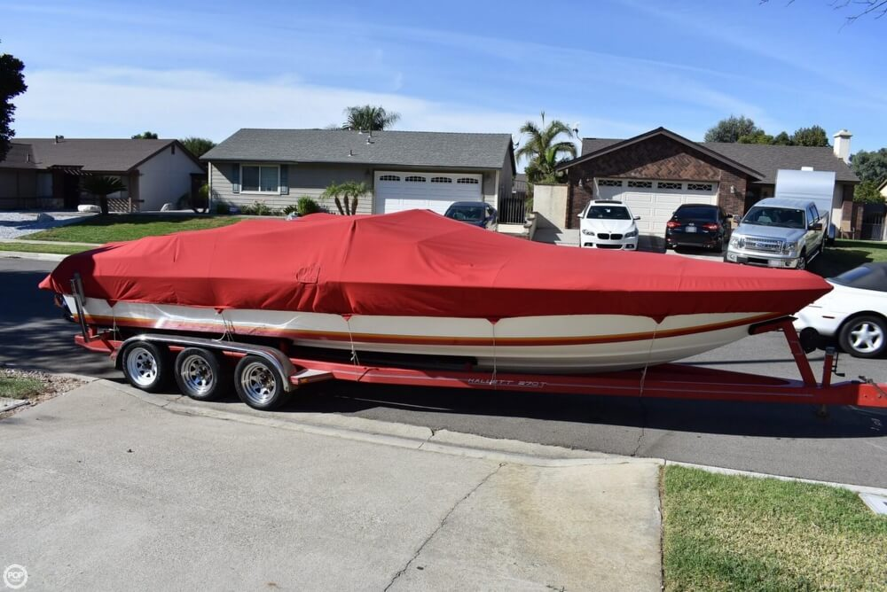 1988 Hallett boat for sale, model of the boat is 270-T & Image # 24 of 40