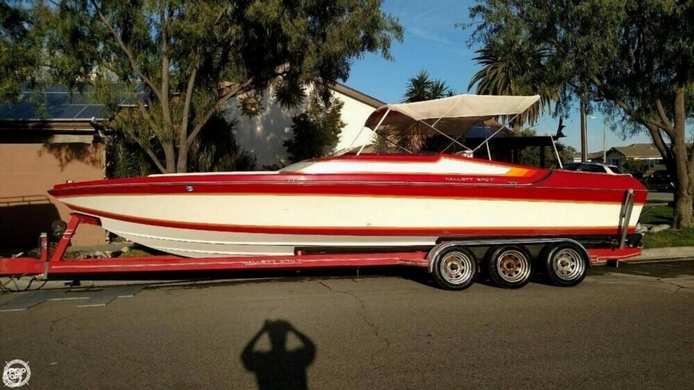 1988 Hallett boat for sale, model of the boat is 270-T & Image # 25 of 40