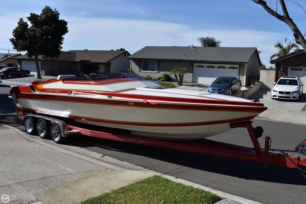 1988 Hallett boat for sale, model of the boat is 270-T & Image # 27 of 40