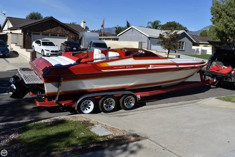 1988 Hallett boat for sale, model of the boat is 270-T & Image # 28 of 40