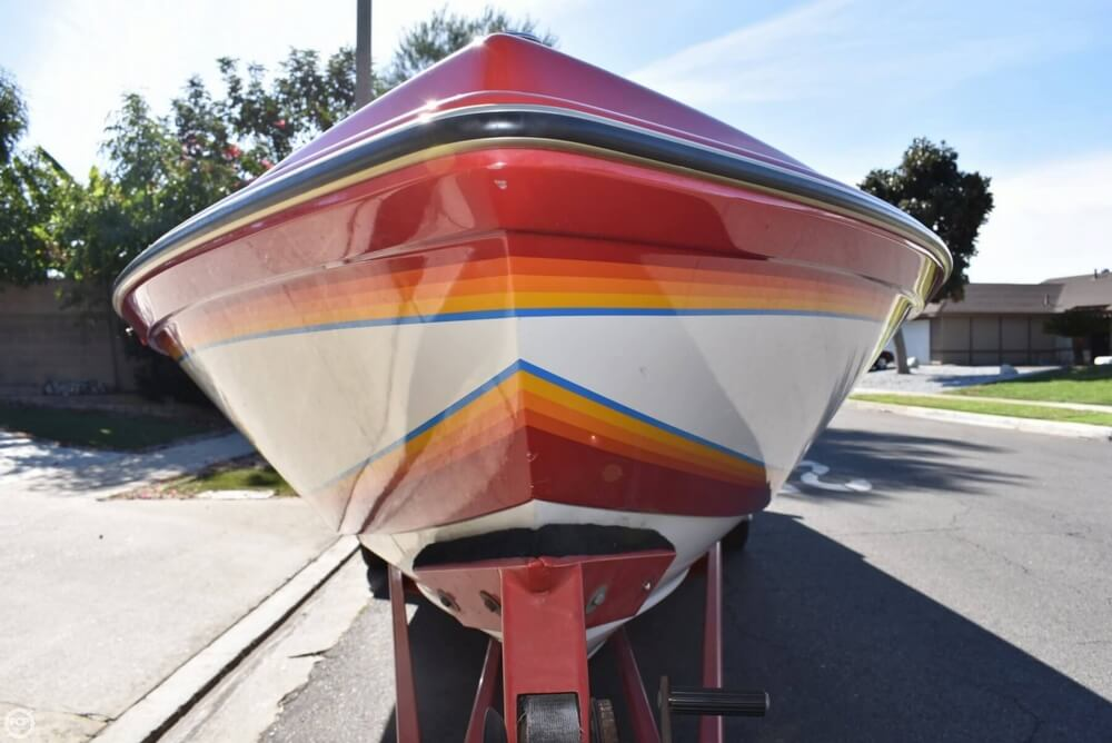 1988 Hallett boat for sale, model of the boat is 270-T & Image # 31 of 40