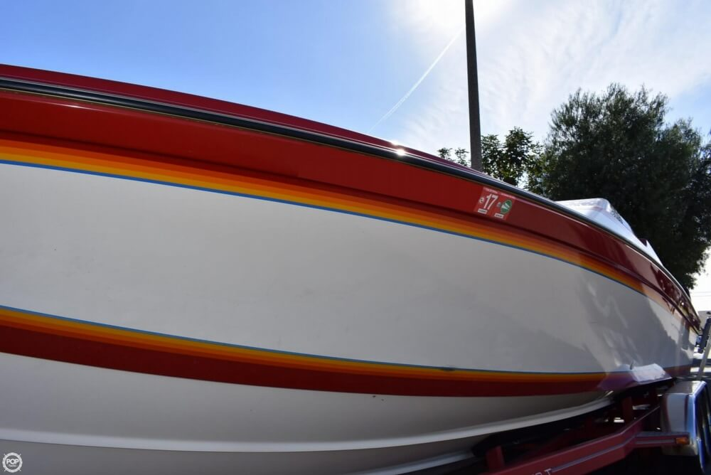 1988 Hallett boat for sale, model of the boat is 270-T & Image # 34 of 40