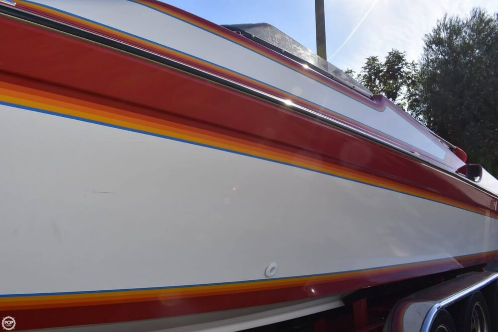 1988 Hallett boat for sale, model of the boat is 270-T & Image # 36 of 40