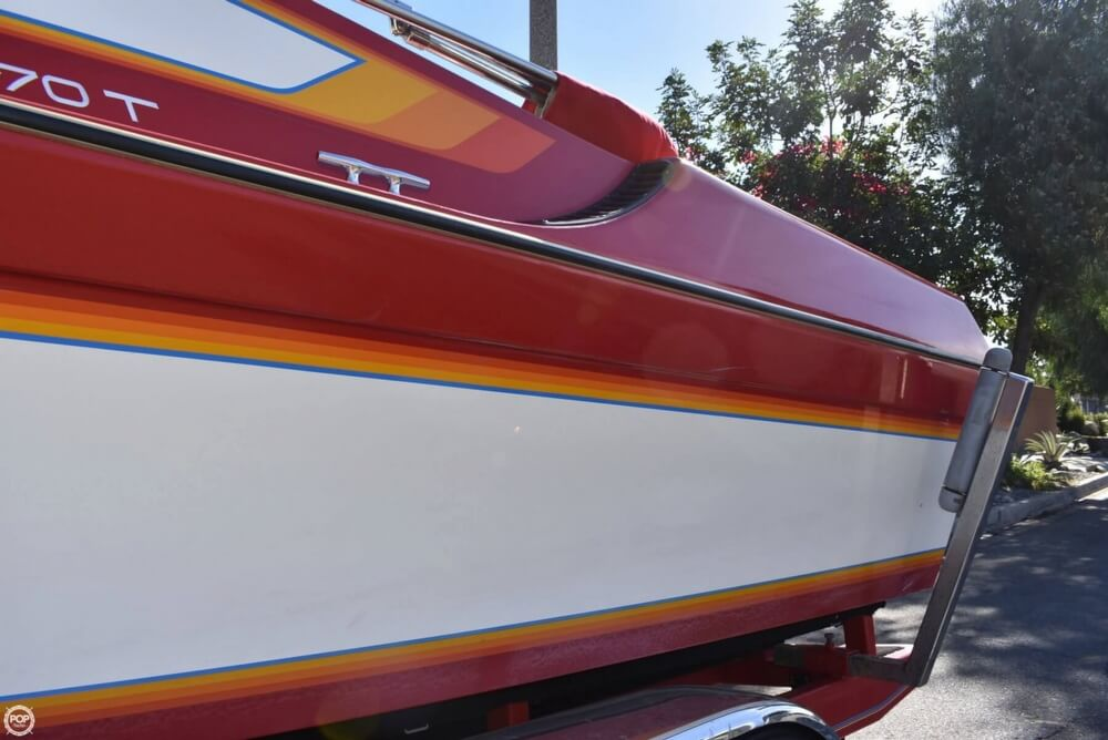 1988 Hallett boat for sale, model of the boat is 270-T & Image # 38 of 40